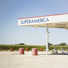 (Monica Galvan) Tags: usa minnesota america square landscape typography us midwest unitedstates unitedstatesofamerica gasstation clean squareformat land minimalism superamerica albertlea