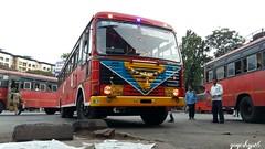kalyan  patgaon (yogeshyp) Tags: msrtcdecoratedqueenkalyanbusstand msrtc