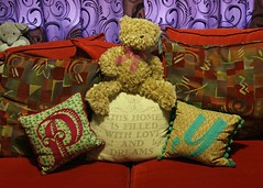 This home is filled with love and dreams (WISEBUYS21) Tags: love dreams home together bear teddy p y cushion cushions sofa floral pink red purple elephant cuddly toy softfurnishings settee ribbon mauve cute soft togetherness wisebuys21 gentle lovingly touching hands holding