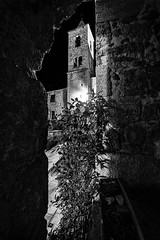 Castel Trosino - Scorcio 03 (Promix The One) Tags: casteltrosinoap marche scorcio veduta piazza chiesa campanile mura arco mattoni antichit medioevale pianta notturno biancoenero bn bw canoneos1dsmarkii sigma1530f3545exdgaspherical
