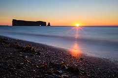 Sunrise rocher perc (Arnaud.Druffin) Tags: gaspesie pvt beach sunrise sun perc whv roadtrip rocher quebec canada sea explorecanada explore pebble shingle orange blue landscape