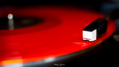 Plattenspieler (graser.robert) Tags: macromondays handle with care plattenspieler ledzeppelin red rot schallplatte robertgraser photo artist germany makro macro linien bokeh tiefenschrfe unscharf old school retro music musik record player recordplayer radio city hall