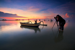 Landscape Photohunter (KembaraAlam) Tags: photography photohunt phototravel phototrip photohunter photographer boat boats kenu sunrise dawn reflection landscape seascape outdoor human bali indonesia asia sanur canon kembaraalam