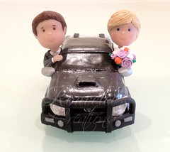 Toyota Hilux Wedding Cake Topper - Front (Rouvelee's Creations) Tags: polymerclay weddingcaketopper figuremodelling brideandgroomcaketopper rouvelee customisedbrideandgroom