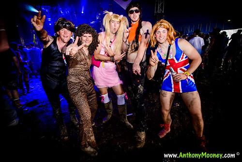 Men in Spice Girls Fancy Dress
