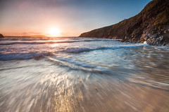 Trevone Waves (Olly Plumstead) Tags: ocean uk blue sunset sea england cliff plants sun seascape blur green beach water yellow canon landscape drag se coast sand long exposure cornwall waves angle mark low wide le ii 09 lee 5d olly hitech swash 1740l plumstead gnd 5d2