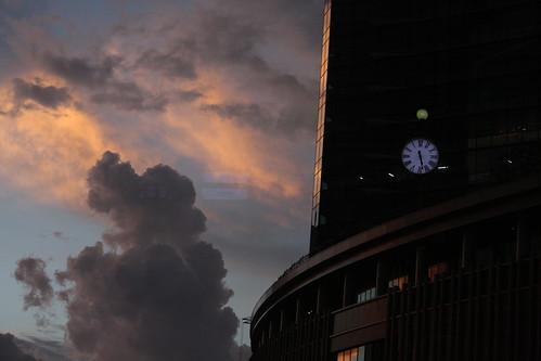 楽しい景色・夕焼けと時計