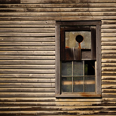 (jtr27) Tags: dsc01047c jtr27 sony wabisabi alpha nex7 nex emount mirrorless ilc ilce csc sigma 1770mm f2845 dcmacro amount laea2 adapter square barn rustic rural newengland vermont decay entropy patina window