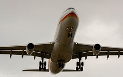 Surinam Airways A340-300 on final approach for runway 06 (Nicky Boogaard Photography) Tags: boeing airbus bombardier 737 767 a340 747 777 787 icelandair klm delta china cargo embrear 1klm 777200er final approach for runway e175 tui dreamliner transavia flybe atlasglobal holland amsterdam airport aviation
