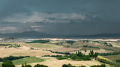 Storm over Podere Belvedere (Di_Chap) Tags: strom italie summer tuscany valdorcia italy podere