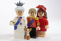 Queen, Will, Kate & Corgi by Minifigs.me (Brickadier General) Tags: lego gold state coach british royal family queen elizabeth prince william kate middleton corgi carriage britain england historical moc minifigsme golden custom minifigs minifigures