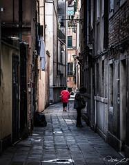 2016-08-10_Venedig - Venice - gritty version_IMG_7870 (dieter_weinelt) Tags: bluesky brcken dieter fiona gondeln kanal kanle melanie sommer2016 sonnenschein touristen venedig venice victoria blauerhimmel boats boote bridges canals gondolas summer2016 sunshine tourists