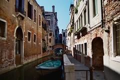 Venezia (Skylark92) Tags: italy italie venezia venice venetie veneto canal boat