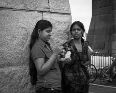 Sharing Ice Cream (bradmo) Tags: street nyc newyorkcity blackandwhite bw newyork voigtlander olympus brooklynbridge nokton omd 25mm 095