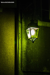Un Lampione di Notte (LucaL Photographer) Tags: light black verde green yellow night del 1 luca nikon photographer d 11 m giallo uno toni 28 mm tamron 90mm francia 90 nero notte luce lampione dx 3100 luminoso briancon lerda lucal d3100