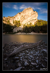Barrage du Peiroou (NeoNature) Tags: sunset lake nature saint canon landscape soleil scenery angle wide coucher lac grand provence paysage 1022mm alpilles waterscape rmy