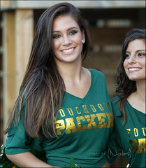 Sunday Packers Milwaukee Cheerleading Smiles at The Goat (Nicolas Images) Tags: travel light usa beauty smile canon geotagged photography model packers milwaukee cheerleader llens 5dmkii nicolasimages