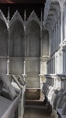 Chartreuse Notre-Dame-des-Prs de Neuville-sous-Montreuil (CrOS Photographie) Tags: wood light france church lumire religion perspective chartreuse glise bois pasdecalais neuvillesousmontreuil sx220hs