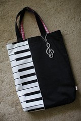 My wifes handmade bag for piano lessons. (MIKI Yoshihito ()) Tags: bag handmade daughter piano wife sakurako lessons pianolesson      311