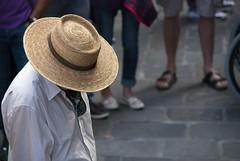 cappello di paglia (g_u) Tags: people man florence gente persone uomo firenze gu cappello ugo piazzaledegliuffizi