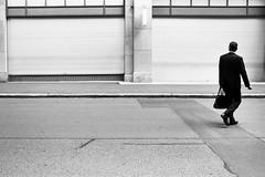see your future, see your past (gato-gato-gato) Tags: 35mm asph ch iso200 ilford leica leicamp leicasummiluxm35mmf14 leicasummiluxm50mmf14asph mp mechanicalperfection messsucher schweiz strasse street streetphotographer streetphotography streettogs suisse summilux svizzera switzerland wetzlar zueri zuerich zurigo zrich analog analogphotography aspherical believeinfilm black classic film filmisnotdead filmphotography flickr gatogatogato gatogatogatoch homedeveloped manual rangefinder streetphoto streetpic tobiasgaulkech white wwwgatogatogatoch zrich leicam6 m6 manualfocus manuellerfokus manualmode schwarz mensch person weiss bw human blanco pedestrian negro fussgnger monochrom fusgnger monochrome passant blanc noir sviss zwitserland isvire