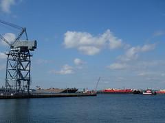 201608009 New York City Brooklyn (taigatrommelchen) Tags: 20160831 usa ny newyork newyorkcity nyc brooklyn sky clouds ocean urban harbour ship