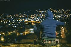 B e l  n (fabian.kopetsckny) Tags: amiga friend beln cuzco per nikon d5000 nikkor guitarra guitarrista cancin piedra 35mmf18 guitarist guitar song stone rock viaje travel msica music instrumento instrument