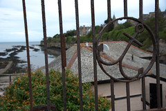 Beyond is the Sea (votsek) Tags: 2016 scotland standrews ocean fence ironfence bokeh luminosity