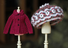 #105 (Ulanna) Tags: blythe knitting handmade outfit clothes cardigan pullover jersey jacket cap hat helmet beret