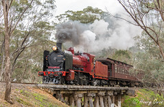 Sawmill Road Sailing (Henrys Railway Gallery) Tags: k190 kclass steamrail steam steamtrain steamrailvictoria srv heritage heritagetrain vr victorianrailways victoria victorian vgr victoriangoldfieldsrailway sawmillroad maldon muckleford castlemaine tambo