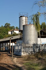 Depsito de gua e Depsito de Combustvel - Livrao (valeriodossantos) Tags: comboio train infraestruturasdeportugal infraestruturas refer estaes estaodalivrao livrao marcodecanaveses linhadodouro caminhodeferro portugal