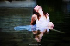 The passion (Eleonora Cacciari) Tags: eos1200d eleonoracacciari emiliaromagna ecacciari federicaferrari federicaferrarimodel modellafedericaferrari model alidosi pontealidosi muaclaudiamua claudia calzoni river water fiume