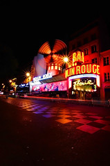 Moulin Rouge (JebbiePix) Tags: street red paris france windmill night neon wideangle montmartre nighttime moulinrouge    thegalaxy