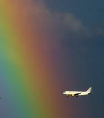 du blanc dans l'arc-en-ciel (b.four) Tags: plane rainbow arcobaleno avion arcenciel alpesmaritimes cagnessurmer coth rubyphotographer mygearandme mygearandmepremium mygearandmebronze ruby10 ruby5 ruby15