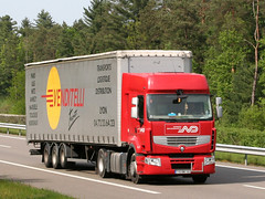 ND 15 (Mulligan2001) Tags: truck renault premium norbertdentressangle venditelli