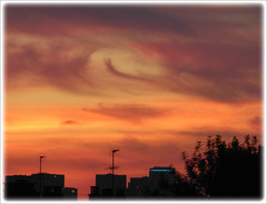 buena noche (laetitiablabla) Tags: sunset sky cloud france soleil poetry glory coucher ile lovers ciel val suburb nuage vues banlieue marne flickraward