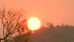 Cair da tarde... (valdircodinhoto) Tags: sunset sun sol pôrdosol ocaso tarde entardecer afonsos