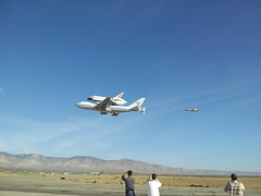 Things In The Sky Series #4 (janel.erikson) Tags: mountains flying desert space awesome experience mojave shuttle spectators runway flyover endeavour lowflying airandspaceport flickrandroidapp:filter=none