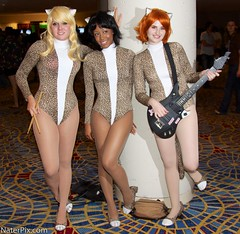 DragonCon 2012 - Josie and the Pussycats (nraupach) Tags: atlanta canon costume cosplay josie comiccon dragoncon josieandthepussycats 2012 pussycats naterpix