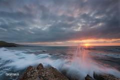 Fuego en el agua (jbuscador) Tags: sunset summer sun beach atardecer agua sony wave explore olas cantabria suances marcantabrico cantabriansea leefilter playadetagle jorgetruanes 075ndgradsoft