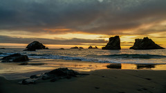 A Face Amongst the Crowd (Tn) Tags: ocean sunset sea seascape beach clouds oregon unitedstates pacific or pacificocean bandon monoliths seastacks waterscape facerock bandonbeach tonyvanlecom