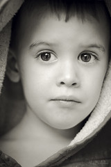 Lenny (Marc Benslahdine) Tags: portrait photoshop noiretblanc lenny yeux enfant bb canonef50mmf18ii canoneos50d marcopix tripax marcbenslahdine wwwfacebookcommarcopix marcopixcom