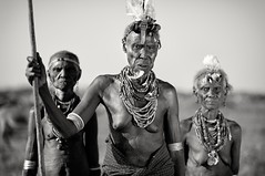 Daassanetch tribe near Omorate (java240.net) Tags: africa leica travel portrait bw black sepia river java blackwhite raw african culture tribal sharp valley document omovalley slovensko slovakia tradition cb ethiopia tribe portret tribo s2 120mm biela ethnology omo etiopia cierna dokument abyssinie cestovanie omorate ethnie etnique dassanech southethiopia dassanetch africky daassanetch cierno java240