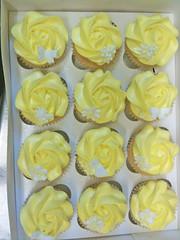 Lemon Yellow Cupcakes