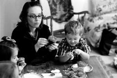 2012100719 (J E) Tags: stand cupcake 400 rodinal 1100 kentmere k400 1nrs
