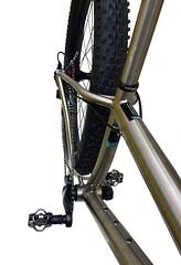 TRAVERs-RUSSTi-rear-bike (Travers Bikes) Tags: boost titanium frame travers mtb russti 275 650b traversbikes rim lauf laufforks xt