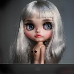 Eline (KarolinFelix) Tags: ooak blythe doll custom darkrabbithole darkrabbit rabbithole silver grey gray hair karolinfelix