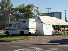 Taco Truck On Corner (PPWIII) Tags: grandrapids clyde park burton tacos truck tent trump 2016
