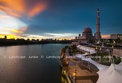 Putra Mosque (Landscape Junkie) Tags: masjid mosque putramosque masjidputra putrajaya malaysia sunset lee09s leefilters nikond90 sigma1020mm landscapejunkie muhamadfaisalibrahim