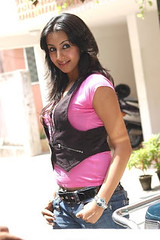 South Actress SANJJANAA Photos Set-4 (31)